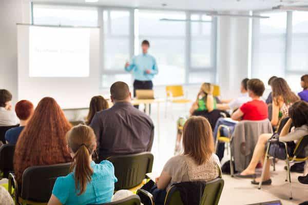 đầu tư tiền học các khóa học bên ngoài